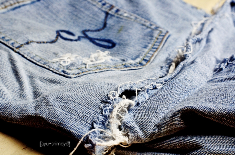 282-365 ripped jeans